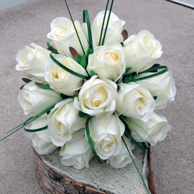 Cream Bouquet for Weddings