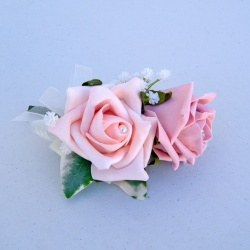 Corsage in Pinks
