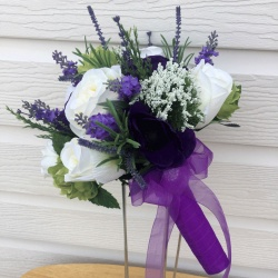 Brides Bouquet in purple and cream
