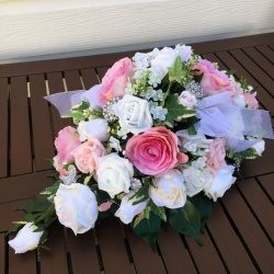 Table Arrangement Pink